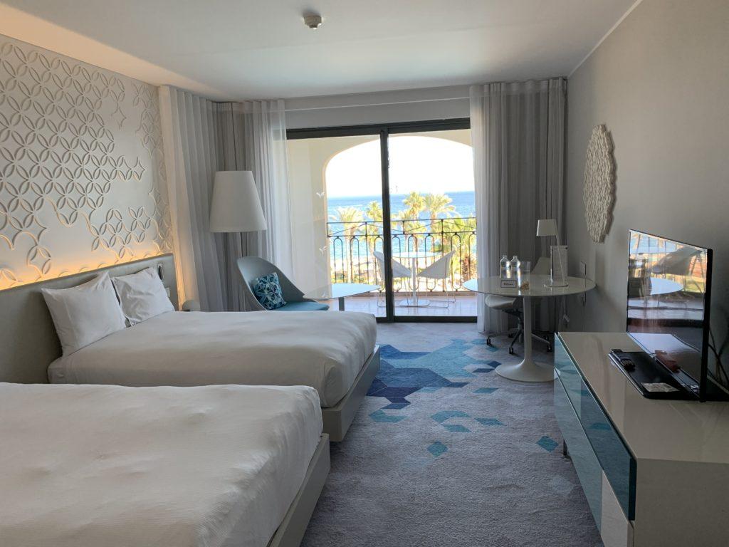 Wie Ihr ein 300€ Hilton Zimmer für 43€ plus Hilton Honors Punkten buchen könnt Sea View Hilton Malta